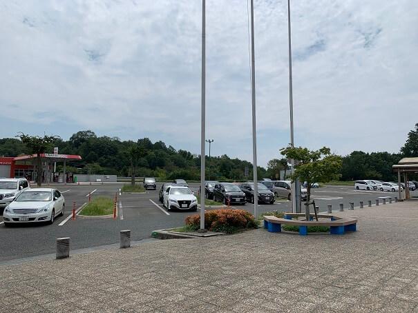 七塚原SA 駐車場