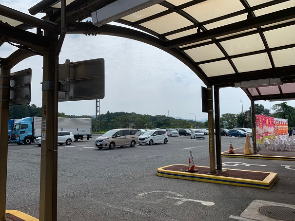 勝央SA 駐車場